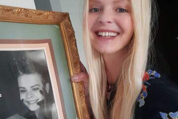 Wiola ze swoim starym zdjęciem